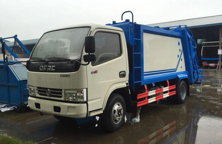 东风福瑞卡4-6立方压缩式垃圾车