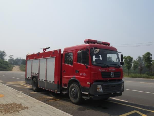 江特牌JDF5150GXFPM60/A型泡沫消防车