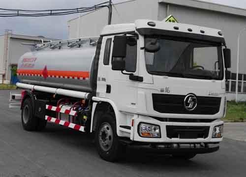 陕汽牌SHN5180GJYLA1119型加油车
